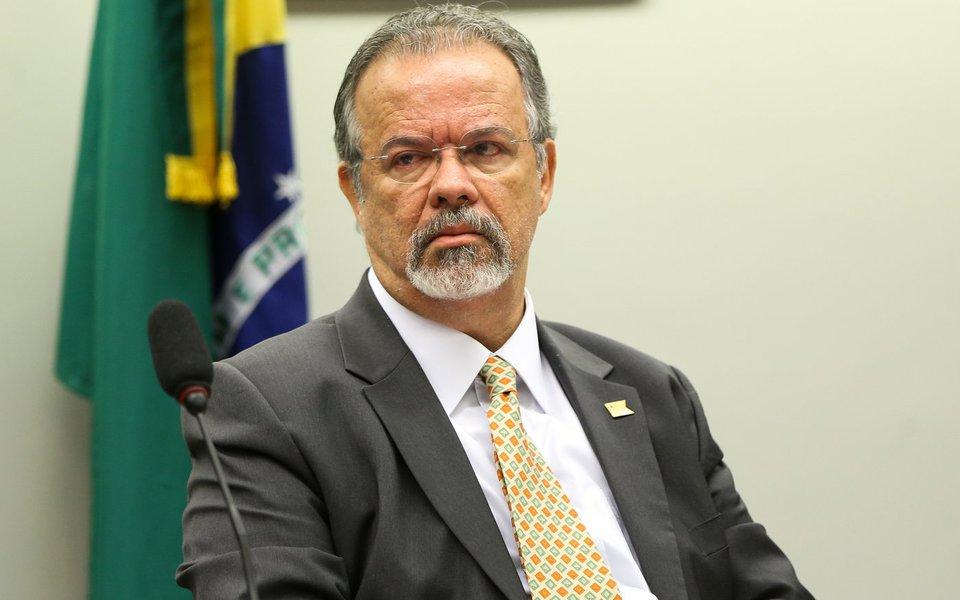 Brasília - O ministro da Defesa, Raul Jungmann, participa de audiência pública na Comissão de Relações Exteriores e de Defesa Nacional para discutir a agenda e as perspectivas de atuação da pasta (Marcelo Camargo/Agência Brasil)