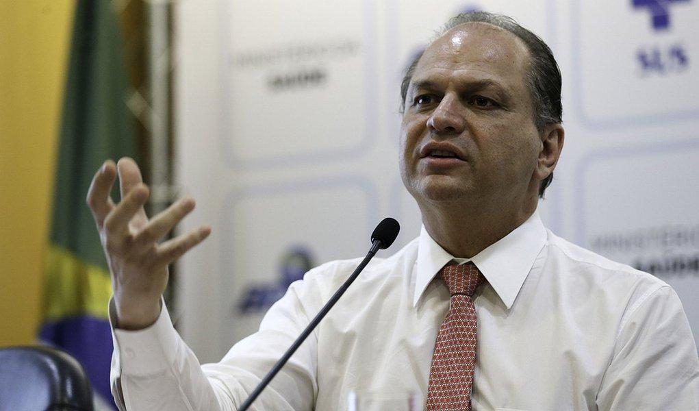 Brasília - O ministro da Saúde, Ricardo Barros anuncia novo modelo de financiamento do SUS para 2018 (Fabio Rodrigues Pozzebom/Agência Brasil)