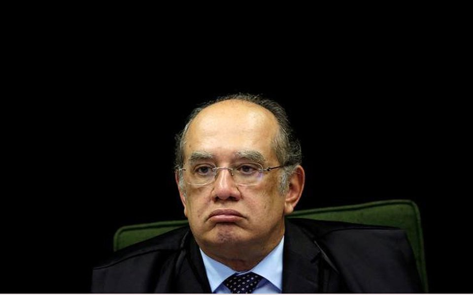 Ministro Gilmar Mendes durante sessão do Supremo Tribunal Federal (STF) em Brasília, Brasil 20/6/2017 REUTERS/Ueslei Marcelino