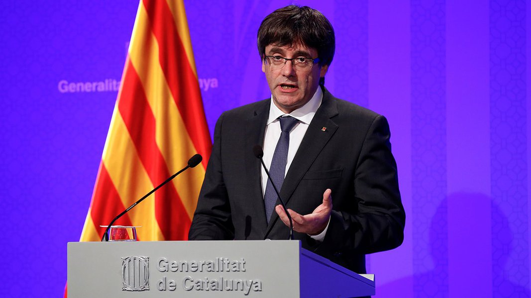 Puigdemont concede entrevista em Barcelona 2/10/2017 REUTERS/Albert Gea