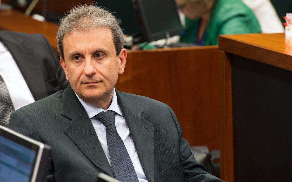 Doleiro Alberto Youssef na CPI da Petrobrás durante acareação com o ex-diretor de Abastecimento da Petrobras Paulo Roberto Costa (Fabio Rodrigues Pozzebom/Agência Brasil)