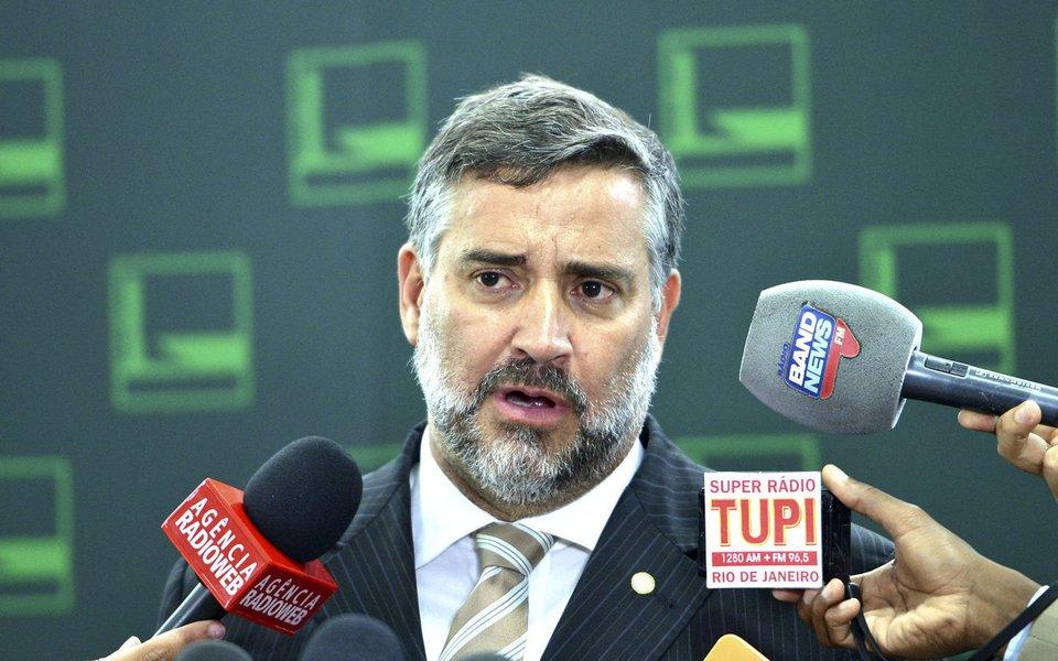 Brasília - Deputado Paulo Pimenta concede entrevista no Salão Verde da Câmara dos Deputados (Antonio Cruz/Agência Brasil)