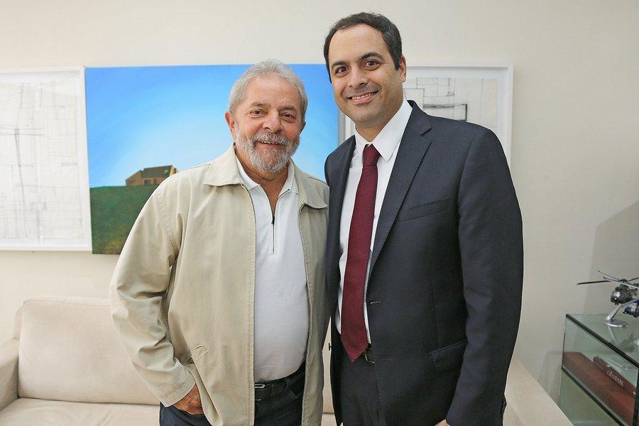 05-02-2015 - São Paulo - O ex presidente Lula, recebe o governador de Pernambuco, Paulo Câmara, durante encontro na sede do Instituto Lula em São Paulo. Foto: Ricardo Stuckert/ Instituto Lula