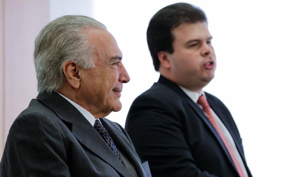 (Brasília - DF, 13/12/2016) Presidente Michel Temer durante reunião com Fernando Coelho Filho, Ministro de Minas e Energia e lideranças do setor de biocombustíveis. Foto: Marcos Corrêa/PR