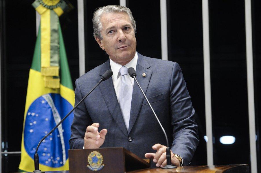 Senador Fernando Collor (PTB-AL) afirma estar preocupado com a situação da violência doméstica em Alagoas