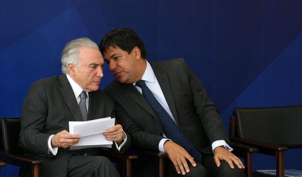 Brasília - Presidente Michel Temer e o ministro da Educação, Mendonça Filho, durante cerimônia de assinatura da MP para reestruturação do ensino médio (Valter Campanato/Agência Brasil)