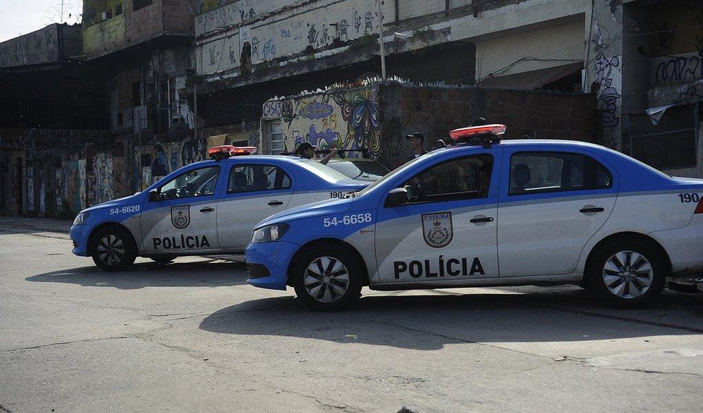 PM inicia a substituição da Força de Pacificação do Exército para o patrulhamento das comunidades Nova Holanda, Parque União, Rubem Vaz e Nova Maré, parte do conjunto de favelas da Maré (Fernando Frazão/Agência Brasil)