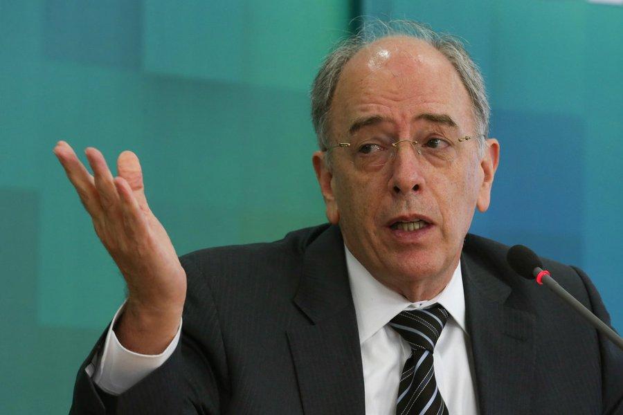 27/07/2016- Brasília - Presidente da Petrobras, Pedro Parente, durante coletiva de imprensa no Palácio do Planalto após encontro com o presidente interino Michel Temer (José Cruz/Agência Brasil)