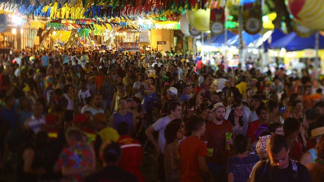 Recife - Foliões no Recife Antigo (Peu Ricardo/PCR)