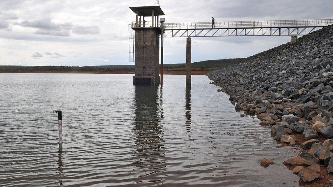 Barragem Santa Maria, Brasília, DF, Brasil 7/11/2016- Reservatório Santa Maria com nível de água próximo aos 41%. Foto: Tony Winston/ Agência Brasília