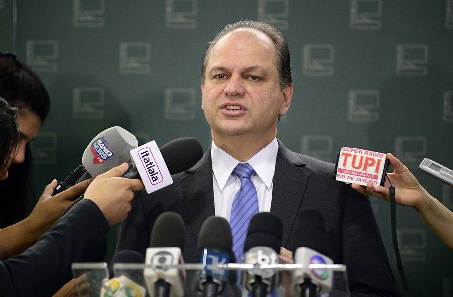 Brasília- DF- Brasil- 17/12/2015- Dep. Ricardo Barros (PP-PR) concede entrevista. Foto: Gustavo Lima/ Câmara dos Deputados
