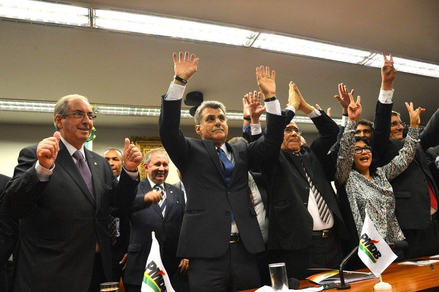 Brasília - Em reunião na Câmara dos Deputados, o Diretório Nacional do PMDB decidiu hoje (29) deixar a base aliada do governo da presidenta Dilma Rousseff (Fabio Rodrigues Pozzebom/Agência Brasil)