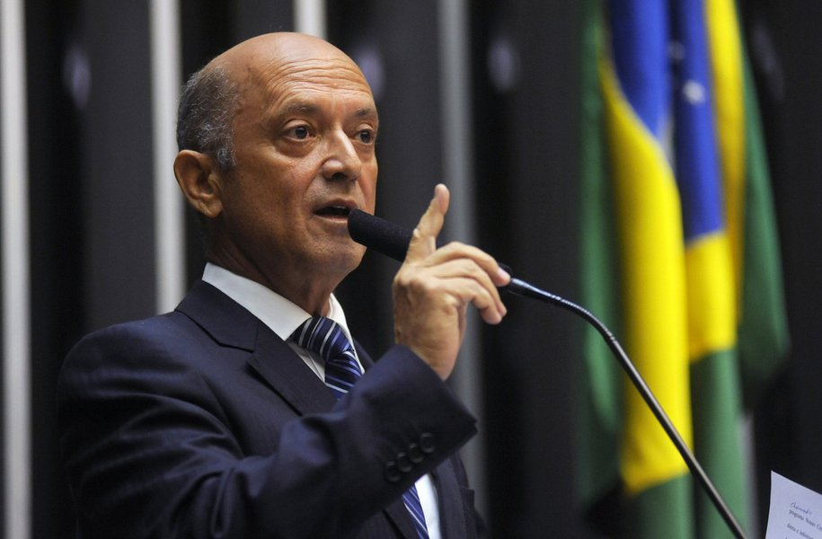 Deputado federal Lelo Coimbra