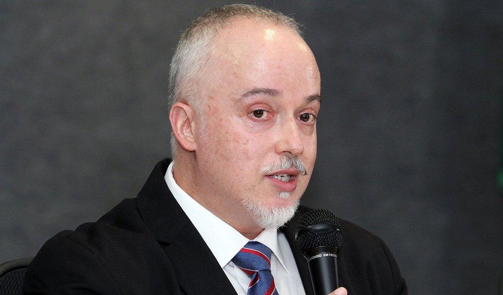 procurador Carlos Fernando dos Santos Lima