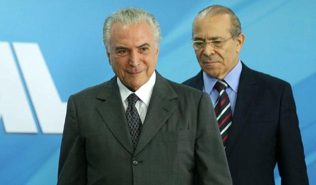 Bras�lia - Presidente Michel Temer e o ministro da Casa Civil, Eliseu Padilha, no lan�amento do programa Refrota 17, no Pal�cio do Planalto (Valter Campanato/Ag�ncia Brasil)