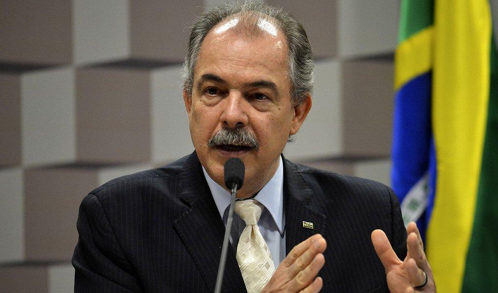 Brasília - O ministro da Educação, Aloizio Mercadante fala na Comissão de Educação do Senado (José Cruz/Agência Brasil)