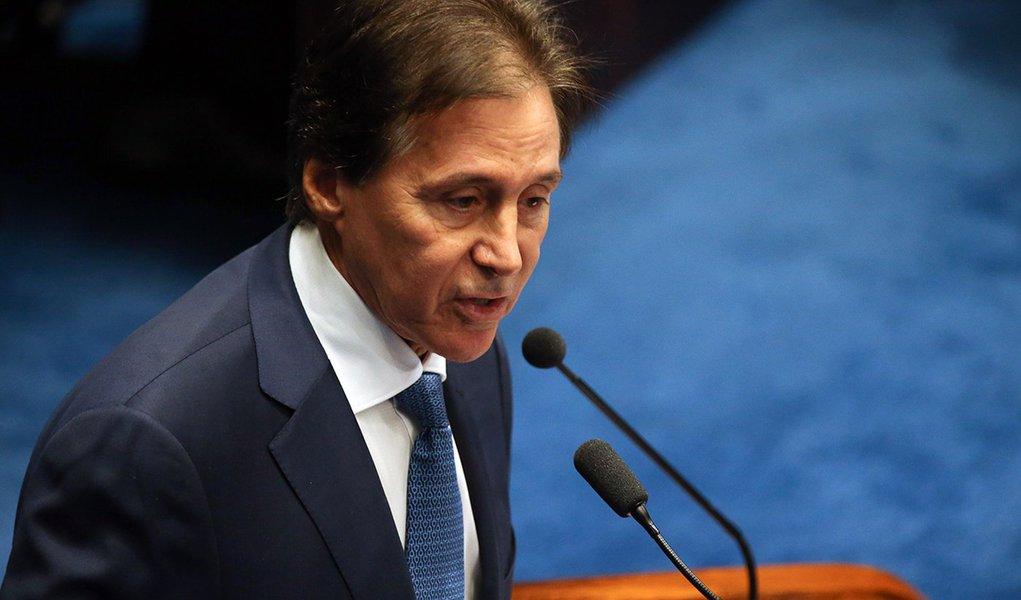 Brasília - O senador Eunício Oliveira concorre ao cargo de Presidente da Casa (Fábio Rodrigues Pozzebom/Agência Brasil)