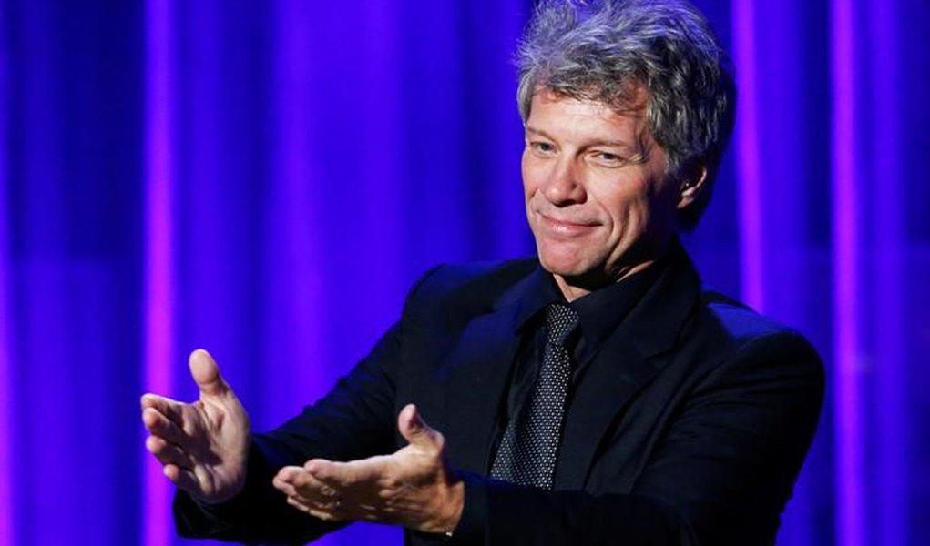 Singer John Bon Jovi performs during the Clinton Global Citizen Award in New York, U.S., September 19, 2016. REUTERS/Eduardo Munoz/File Photo