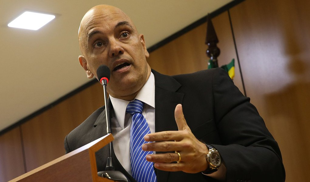 Brasília - O ministro da Justiça, Alexandre de Moraes, em entrevista à imprensa, fala sobre a operação policial que prendeu, um grupo suspeito de planejar atos terroristas a 15 dias da Rio 2016 (José Cruz/Agência Brasil)