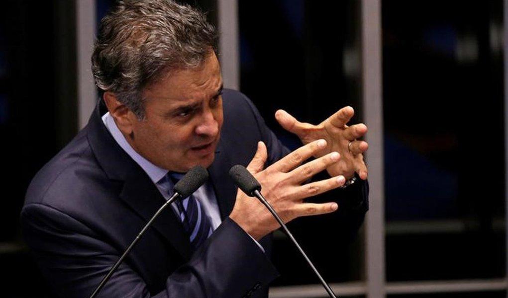 Senador Aécio Neves discursa no Senado em Brasília 12/05/2016 REUTERS/Ueslei Marcelino