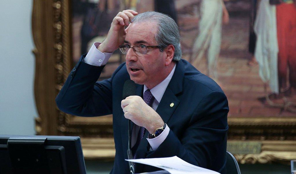 Bras�lia - O deputado Eduardo Cunha come�ou sua defesa na Comiss�o de Constitui��o e Justi�a da C�mara dizendo que o processo de cassa��o contra ele teve motiva��o pol�tica (Fabio Rodrigues Pozzebom/Ag�ncia Brasil)