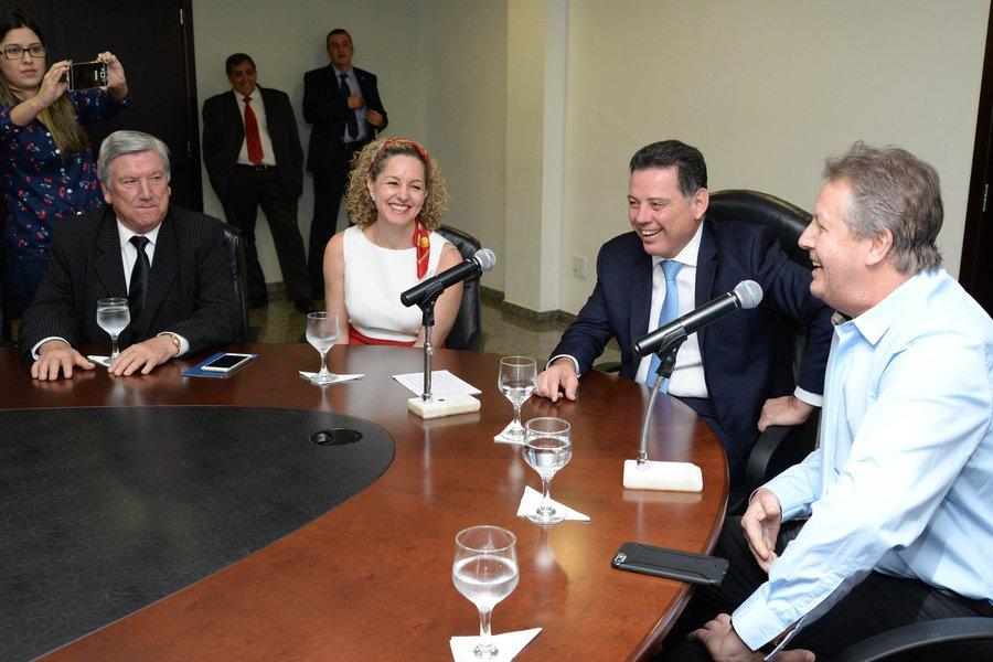 Governador Marconi Perillo, assinatura de protocolo de Inten��es com a Empresa Sierra M�veis Ltda. Diretor Geral Luiz Andr� Tissot. Foto: Wagnas Cabral Data: 01.07.2016