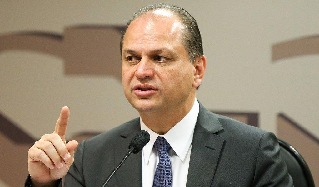 Brasília - O ministro da Saúde, Ricardo Barros, participa de audiência pública na Comissão de Assuntos Sociais do Senado. (Marcelo Camargo/Agência Brasil)