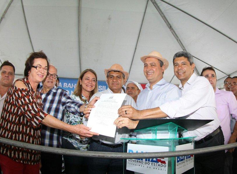 Assinatura da autoriza��o de conv�nios do Programa Bahia Produtiva
