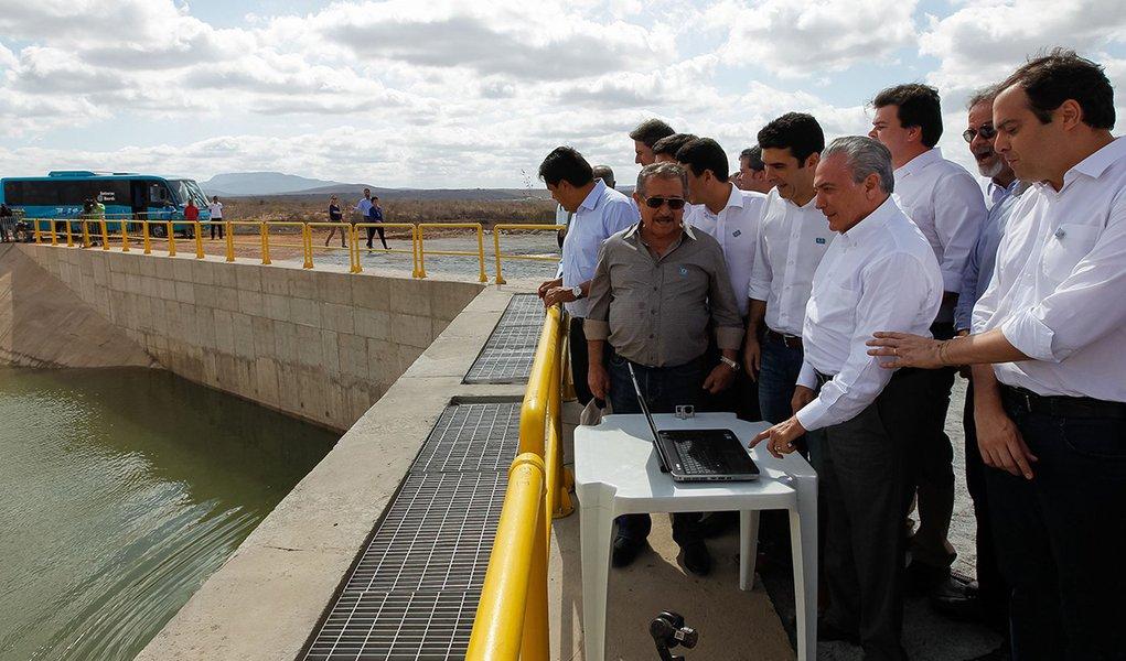 Floresta (PE) - Presidente Michel Temer durante cerimônia de inauguração da Estação de Bombeamento EBV-3 do eixo Leste do Programa de Integração do Rio São Francisco (Beto Barata/PR)