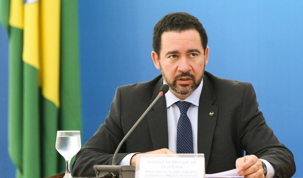 Brasília - O ministro interino do Planejamento, Dyogo Oliveira, durante entrevista coletiva no Palácio do Planalto (Marcelo Camargo/Agência Brasil)