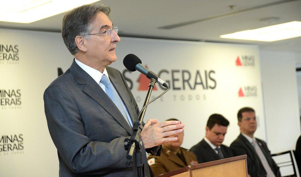 26-09-2016 Governador Fernando Pimentel entrega viaturas da POlicia Civil. Palácio Tiradentes. Foto: Veronica Manevy/Imprensa MG