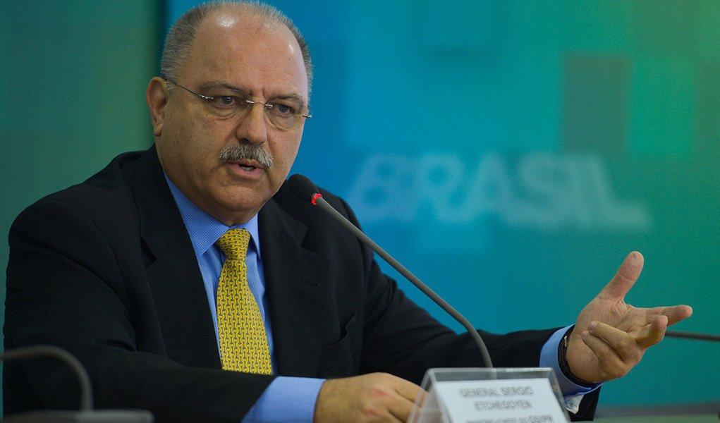 Brasília - O Ministro do Gabinete de Segurança Institucional da Presidência da República (GSI/PR), General Sergio Etchegoyen, concede entrevista sobre a segurança nas Olimpiadas (José Cruz/Agência Brasil)