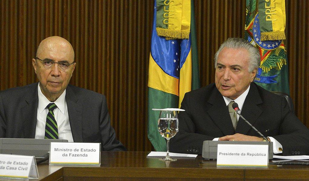 Brasília - O presidente interino Michel Temer apresenta as primeiras medidas econômicas para reequilibrar as contas do governo (José Cruz/Agência Brasil)