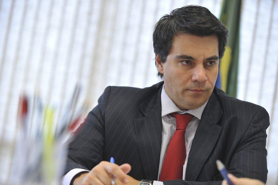 Bras�lia - O secret�rio da Reforma do Judici�rio, Fl�vio Caetano, durante entrevista � Ag�ncia Brasil