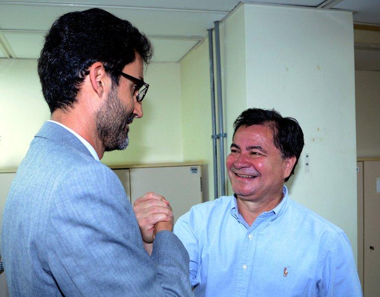 Brasília – O senador boliviano Roger Pinto Molina presta depoimento acompanhado pelo diplomata Eduardo Saboia, ex-encarrregado de Negócios do Brasil na Bolívia, na 4ª Vara de Justiça de Brasília