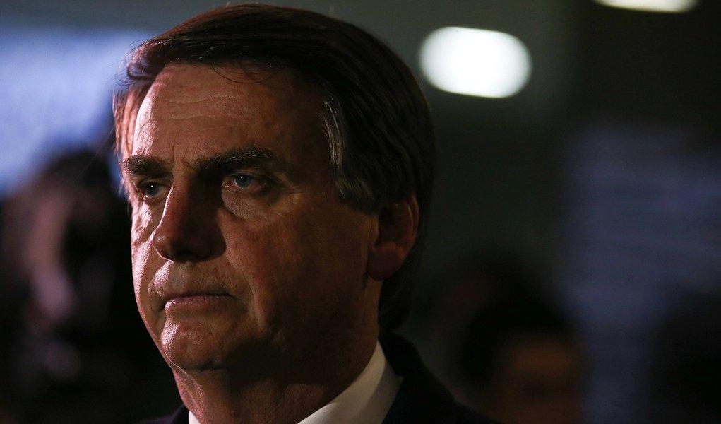 Brasília - Deputado Jair Bolsonaro fala com a imprensa sobre ter virado réu no STF (Fábio Rodrigues Pozzebom/Agência Brasil)