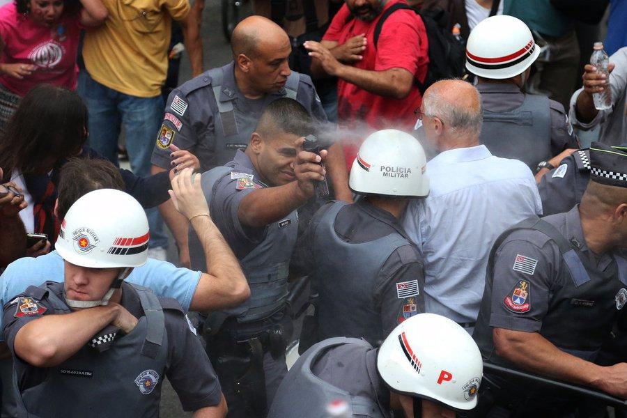 Sao Paulo- SP- Brasil- 18/09/2016- Manifestantes realizam ato contra o governo de Michel Temer.