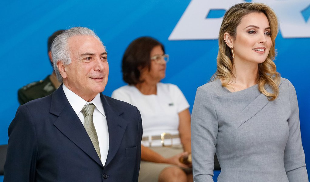 Brasília - DF, 03/08/2016. Presidente em Exercício Michel Temer e a Primeira-dama, Marcela Temer durante solenidade de apresentação de oficiais-generais recém-promovidos. Foto: Carolina Antunes/PR