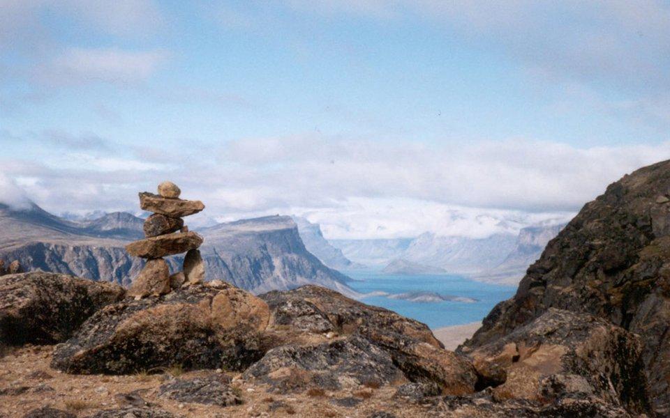 O território Nunavut, no extremo norte do Canadá.