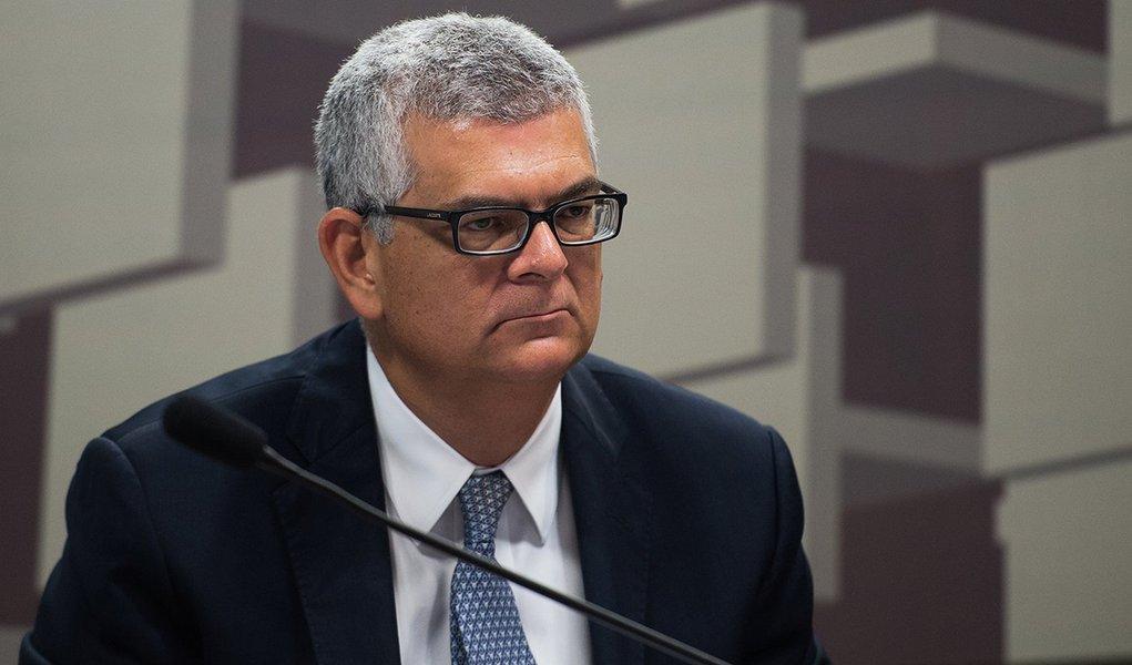 O diretor financeiro da Petrobras, Ivan de Souza Monteiro, participa de audiência conjunta das comissões de Serviços de Infraestrutura e de Assuntos Econômicos do Senado (Marcelo Camargo/Agência Brasil)