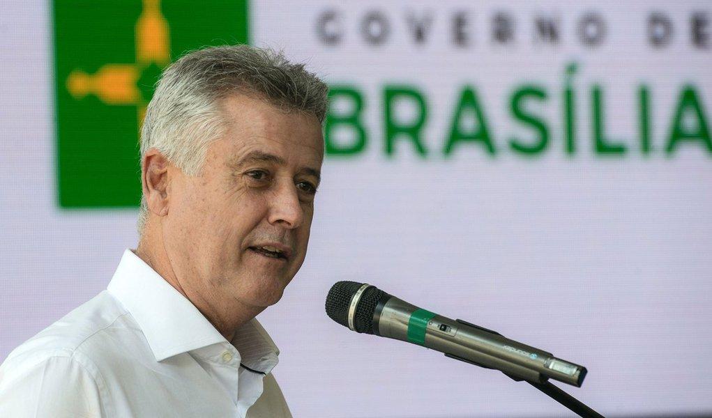 Brasília- DF- Brasil- 18/04/2015- Em comemoração ao aniversário de 55 anos de Brasília, o Governador do DF, Rodrigo Rollemberg, homenageia os pioneiros que participaram da construção da Capital ( Marcelo Camargo/Agência Brasil)