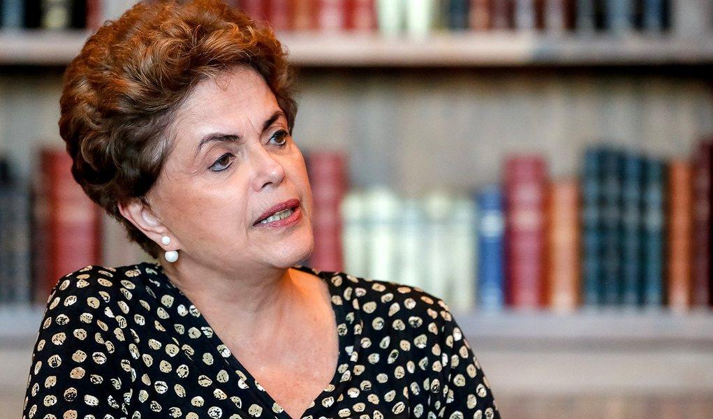 Brasília - DF, 27/07/2016. Presidenta Dilma Rousseff entrevista para Jornal Asahi Shimbun no Palácio da Alvorada. Foto: Roberto Stuckert Filho/PR