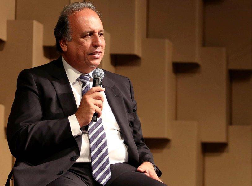 08.04.2015 - Brasília - BSB-Distrito Federal - Governador Luiz Fernando Pezão, participa d