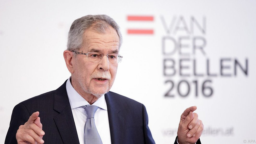 Ambientalista Alexander Van der Bellen é eleito presidente da Áustria