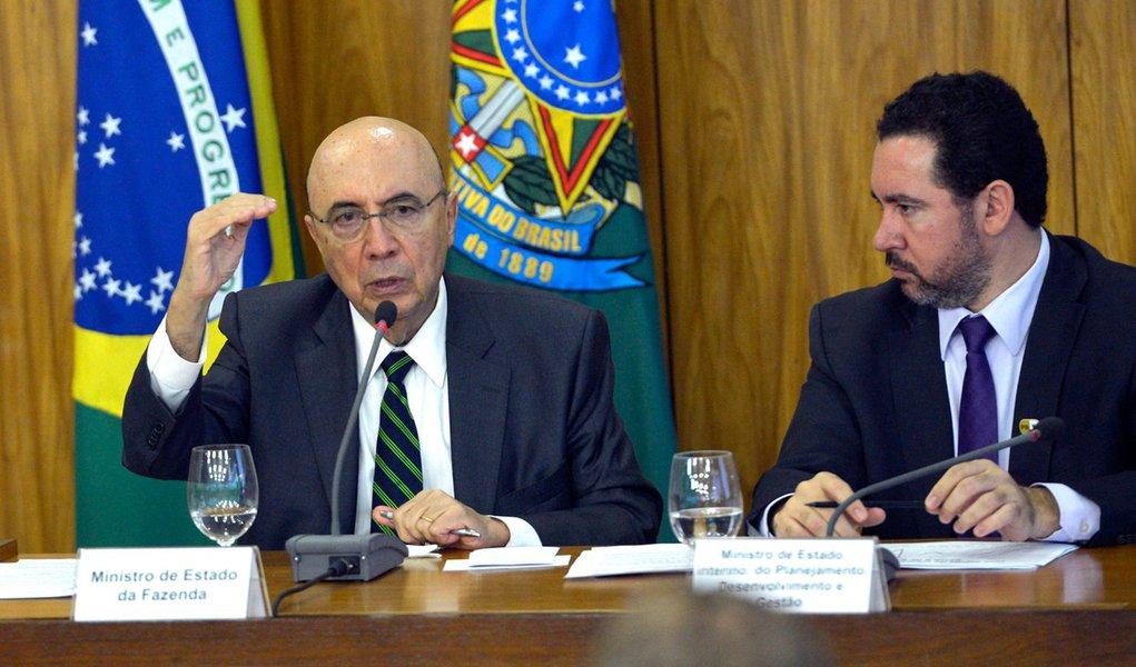 Brasília - Os ministros Eliseu Padilha (Casa Civil), Henrique Meirelles (Fazenda) e Dyogo Oliveira (Planejamento) anunciam medidas para reduzir os gastos públicos (José Cruz/Agência Brasil)