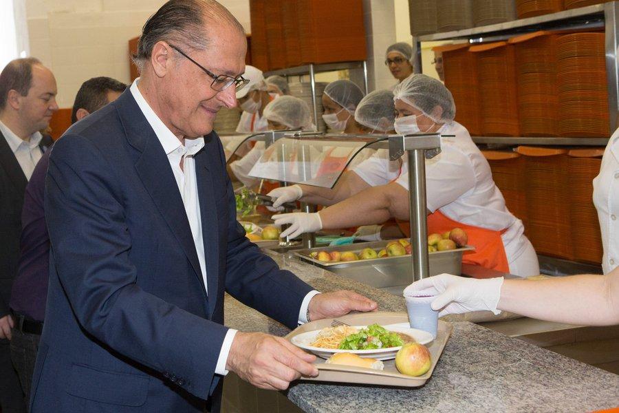 O Governador Geraldo Alckmin, entrega novo Bom Prato no bairro do Limão e entrega também acessa São Paulo. Data: 01/07/2014. Local: São Paulo/SP. Foto: Du Amorim/A2 FOTOGRAFIA