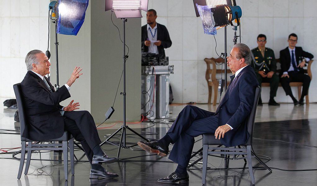 Brasília - DF, 21/06/2016. Presidente em Exercício Michel Temer é entrevistado por Roberto D'Avila para a Globo News. Foto: Beto Barata/PR