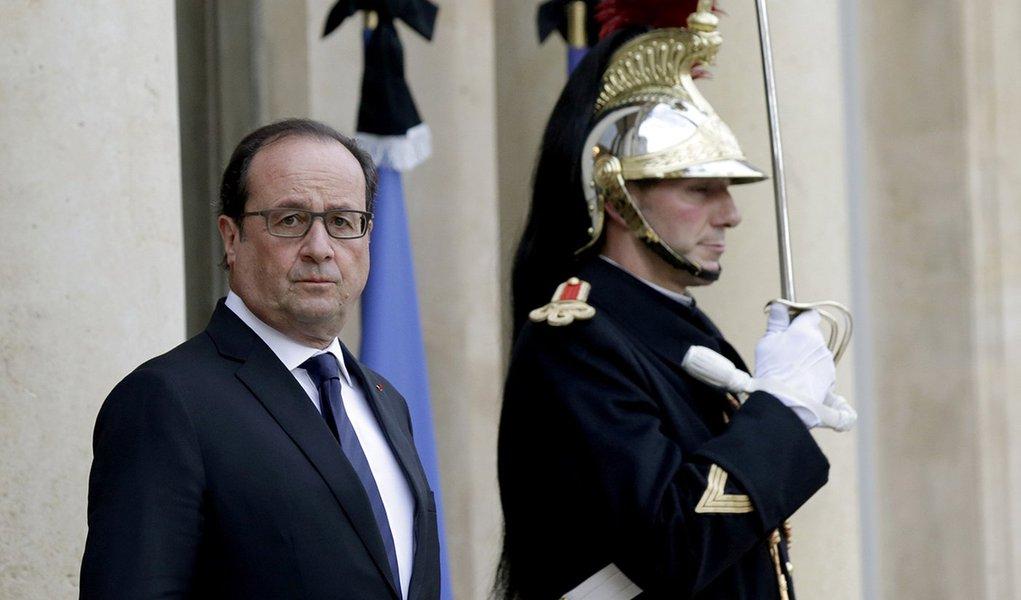 Presidente francês, François Hollande, no Palácio do Eliseu, em Paris. 17/11/2015 REUTERS/Philippe Wojazer