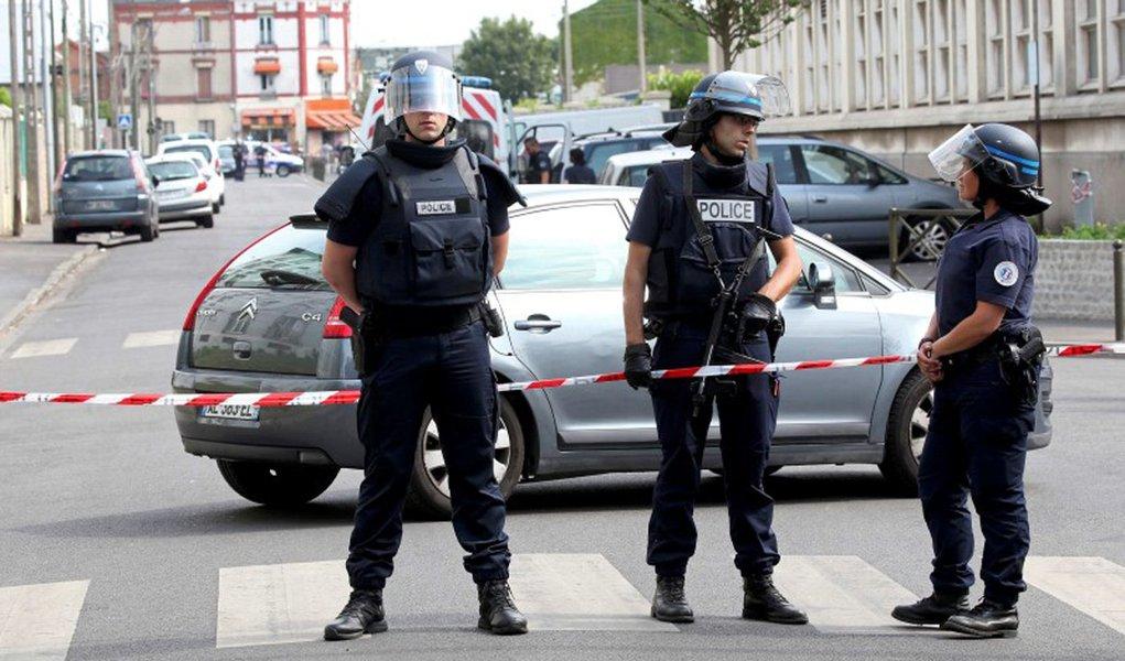Policiais franceses vistos em Paris. 21/07/2016 REUTERS/Charles Platiau