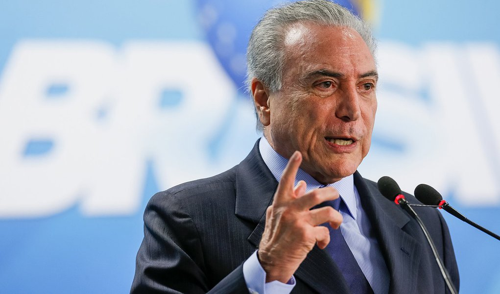 Brasília - DF 05/10/2016. Presidente Michel Temer durante cerimônia de Posse do novo Ministro de Estado do Turismo, Marx Beltrão Lima Siqueira. Foto: Beto Barata/PR